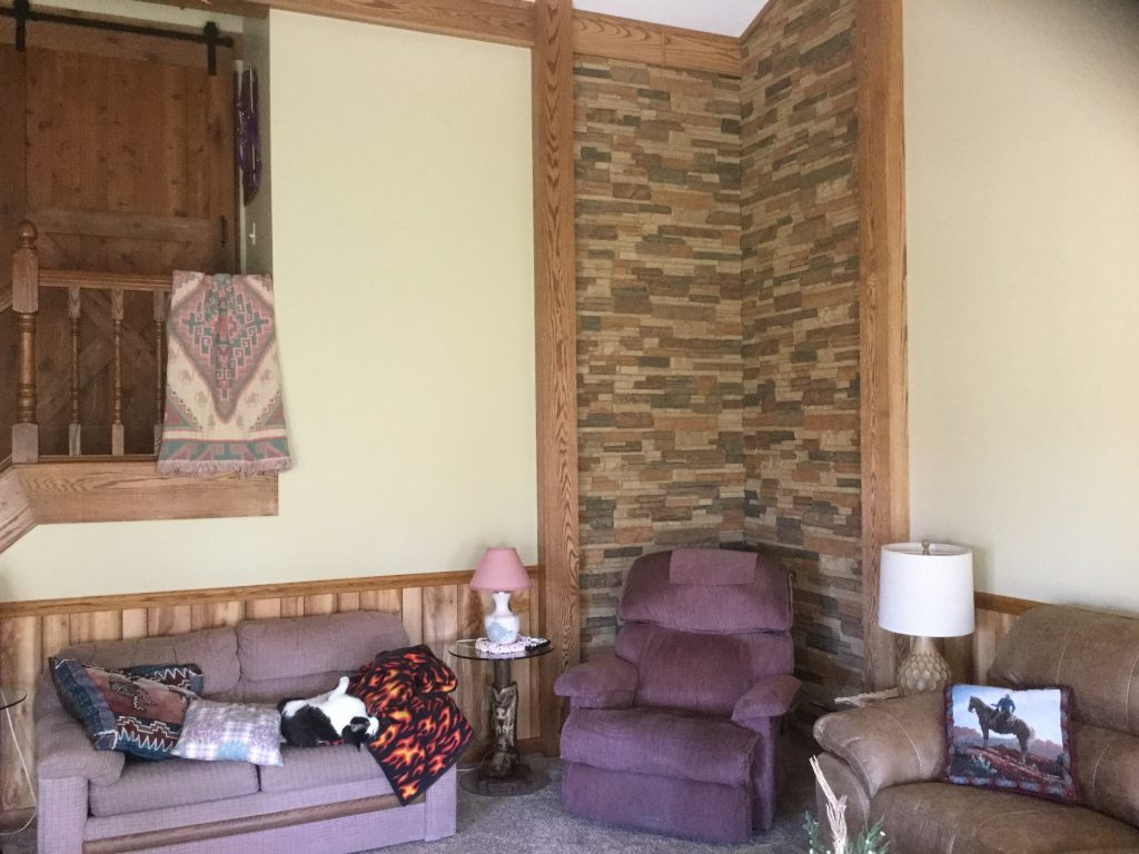Accent wall corner in a living room created with Norwich Dry Stack panels.