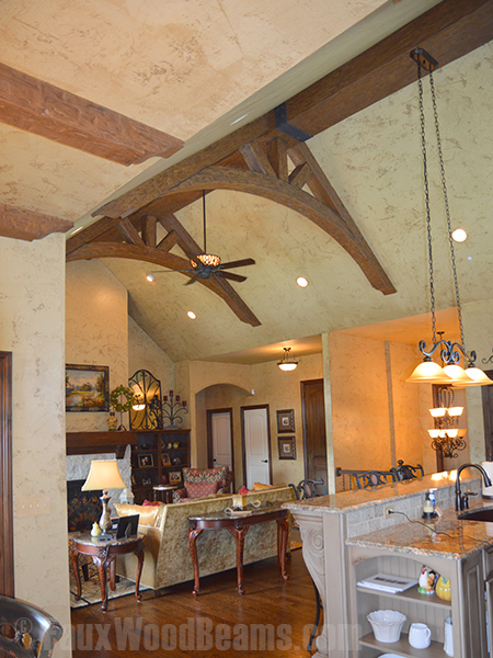 Trusses built with straight and arched Tuscany beams